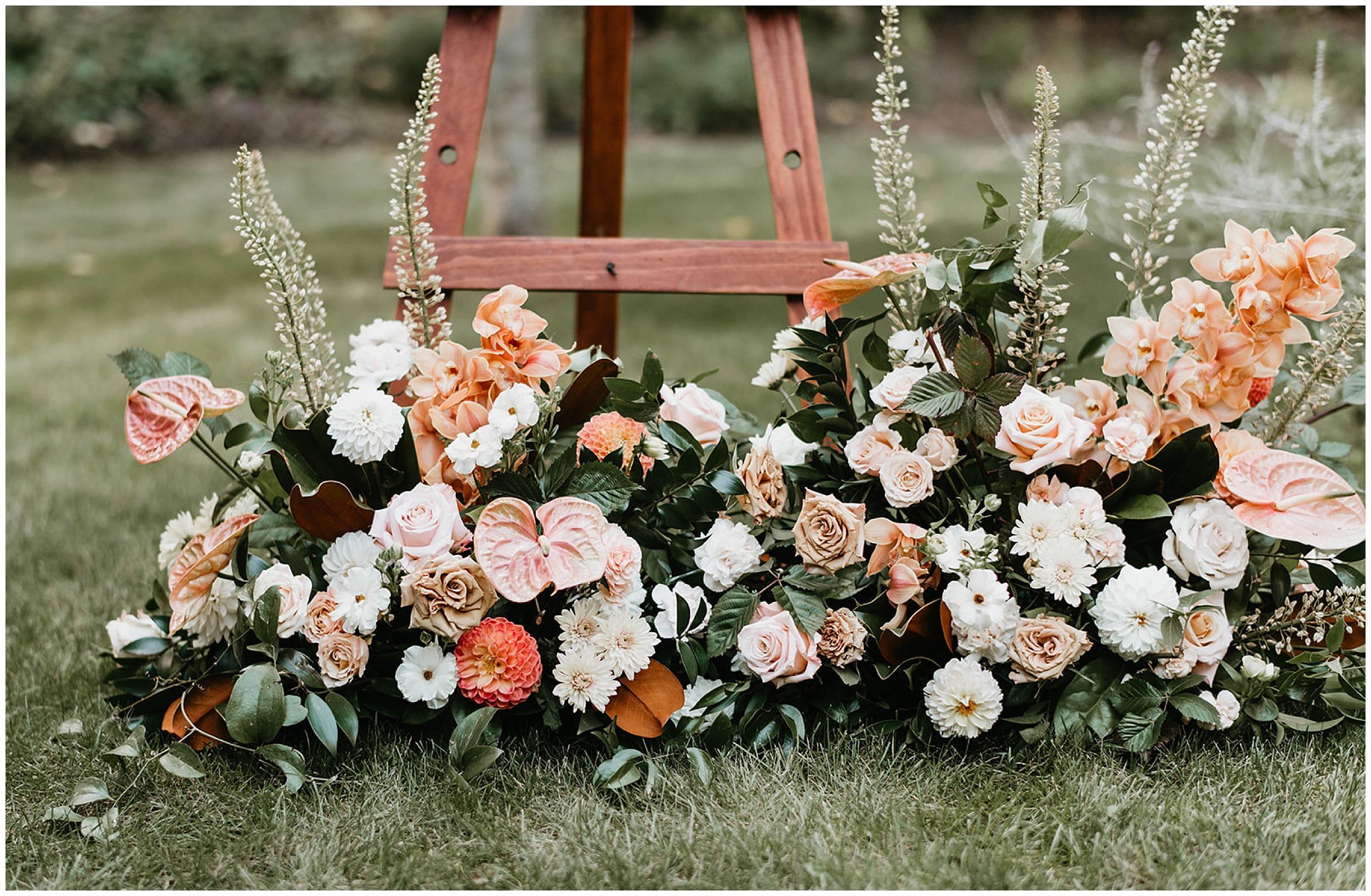 warm wedding flowers